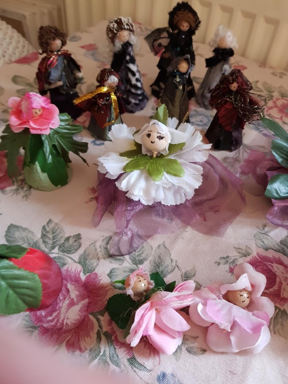 Meine kleinen Geschöpfe gepostet am internationalen Tag der Puppenbauer
